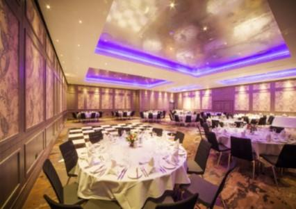 Once Upon a Christmas Party 2021 Doubletree by Hilton London - Kingston upon Thames