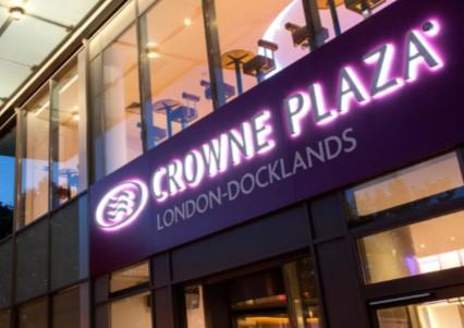 Las Vegas Christmas Parties 2019 at Crowne Plaza London Docklands